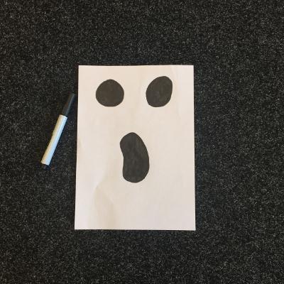 halloween-knutselen-gezicht-spook-400x400