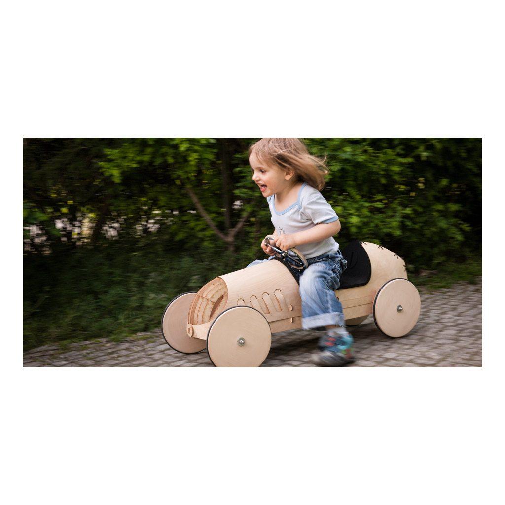 houten-loopwagen-flink-bouwpakket-berkenhout-personaliseren-mogelijkheden-binnen-buiten-2-hele-gezin-jongen-meisje-flin-flink1