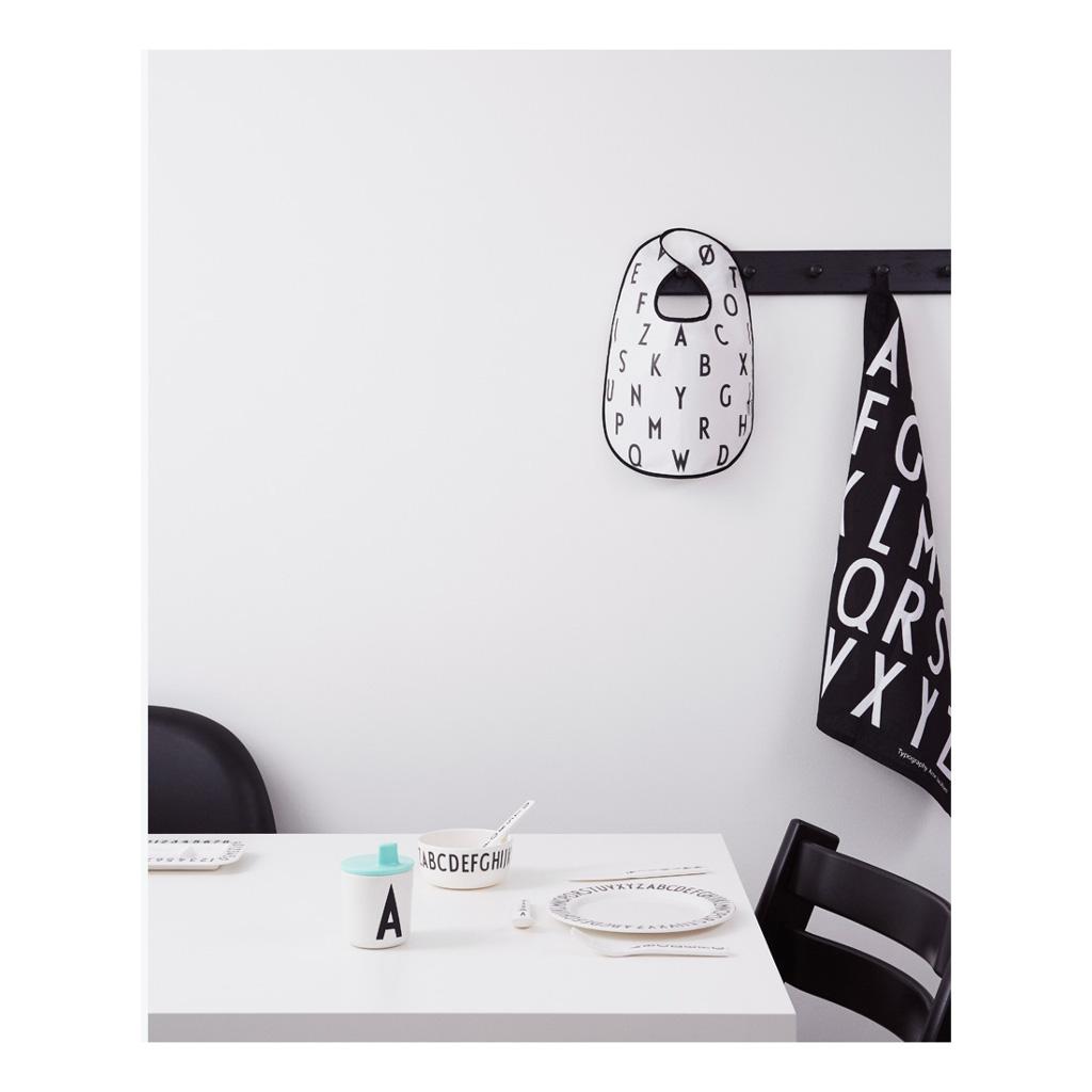 Letter Slabbertje Wit Melamine Design Letters Niet Vocht Door Laten Desi-20202200