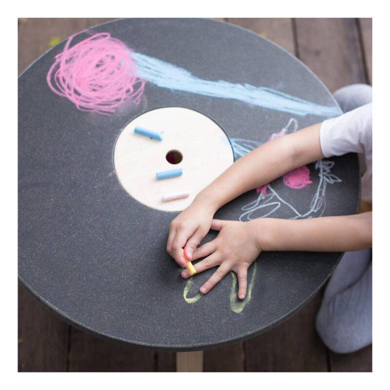 Ronde Kindertafel Plan Toys Rubber Bomen Speeltafel Kindertafel Qiddie plan-8605 1024x1024